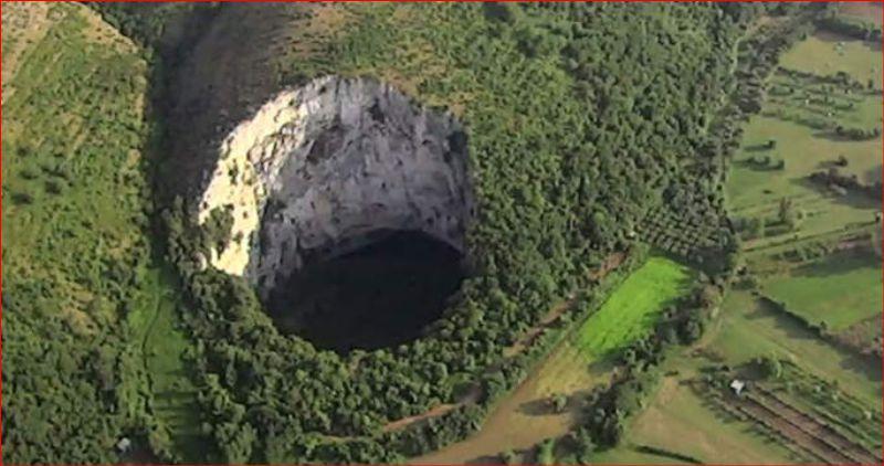 Le voragini, il sentiero delle comole di Castel Morrone